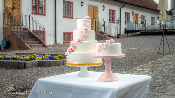 Bröllopstårta Norrköping, Linköping, Stockholm, Nyköping, Finspång, Mauritzberg Slott bakad av CakeByMelina