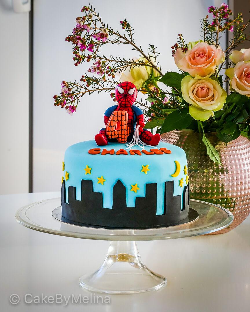 Spindelmannen Barntårta Norrköping, Linköping, Stockholm, Nyköping, Finspång som är bakad av CakeByMelina