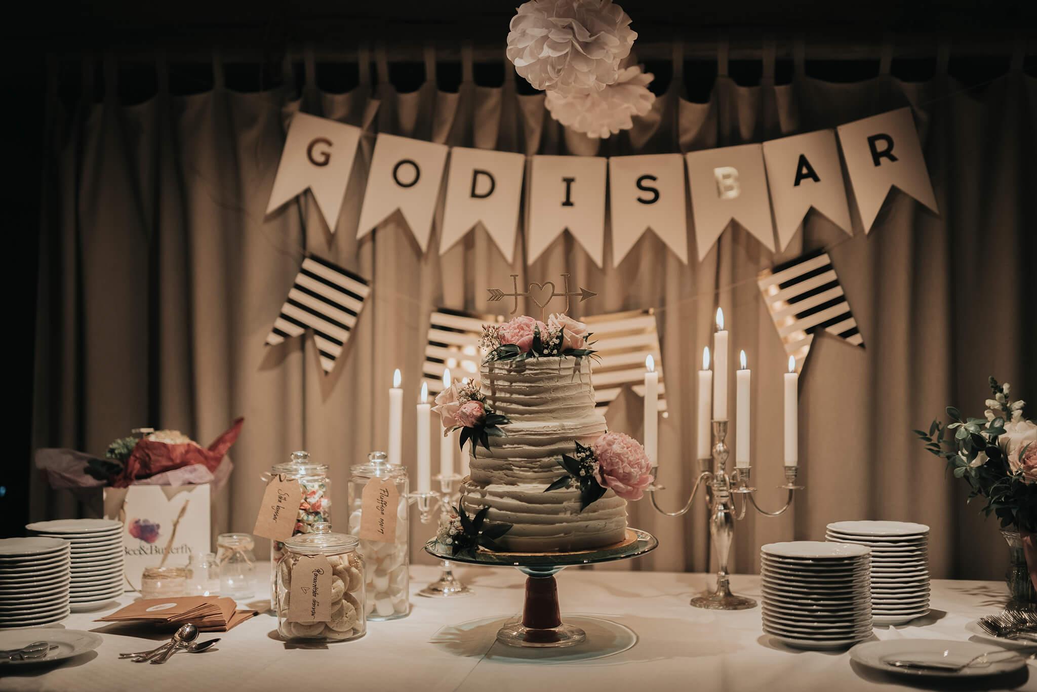 Bröllopstårta Norrköping, Linköping, Stockholm, Nyköping, Finspång, Rosenhanska Magasinet bakad av CakeByMelina